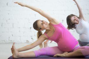 Alongamento é um dos exercícios físicos ótima para gestantes